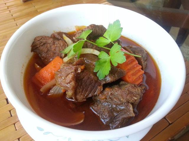 top-11-amazing-foods-you-should-try-in-vietnam1