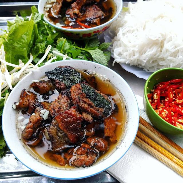 top-11-amazing-foods-you-should-try-in-vietnam6